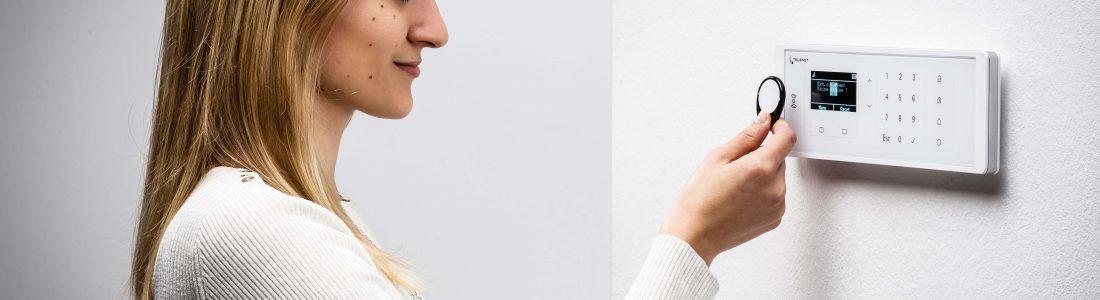 Erstes Funkbedienteil für Alarmanlagen von Telenot | Medienservice für Journalisten