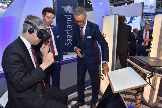 Steffen Bilger informiert sich über Digitalisierung