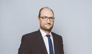 Klaus Becker rückt in Geschäftsführung auf