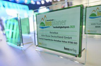 Premium-Doppeldecker Volvo 9700 DD erhält Internationalen busplaner Nachhaltigkeitspreis 2021 - Der Pressedienst - Medienservice für Journalisten